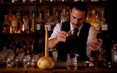 Panayiotis Savva berind bar